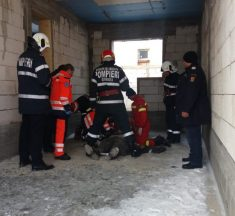 Un bărbat din Teaca a murit electrocutat după ce a atins o mașină de spălat industrială
