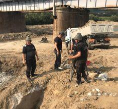 Circulația feroviară a fost oprită zeci de minute la Beclean, după găsirea mai multor bombe de aviație la piciorul unui pod