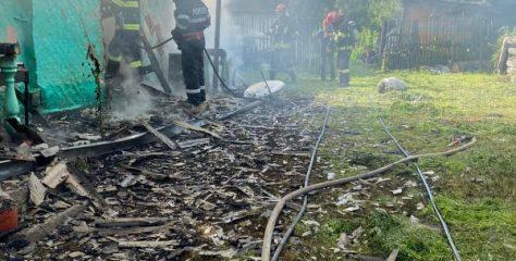 O casă din Rusu Bârgăului a fost distrusă în totalitate într-un incendiu în aceasta dimineață. Ce au constatat pompierii